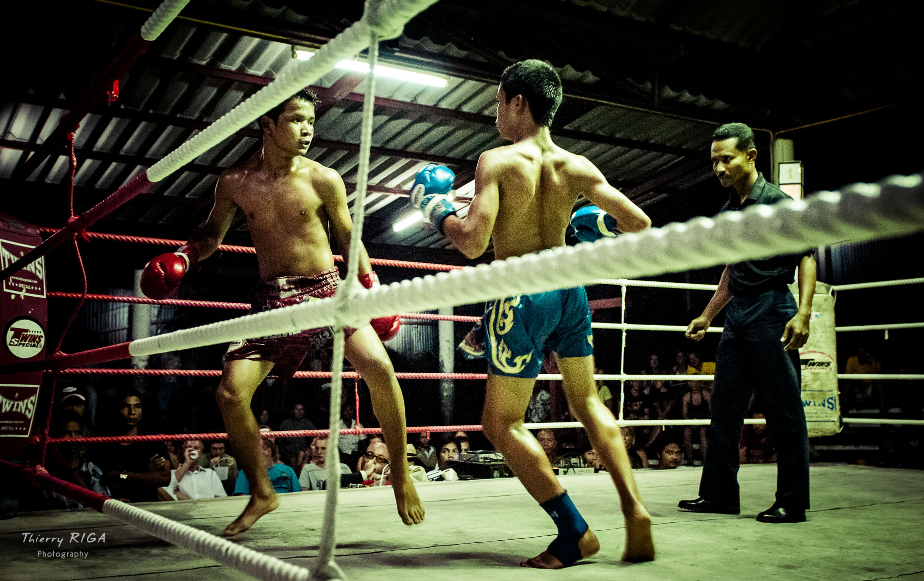 Muay_Thai_boxing_Thailand_fight_5550_Thierry_Riga.jpg
