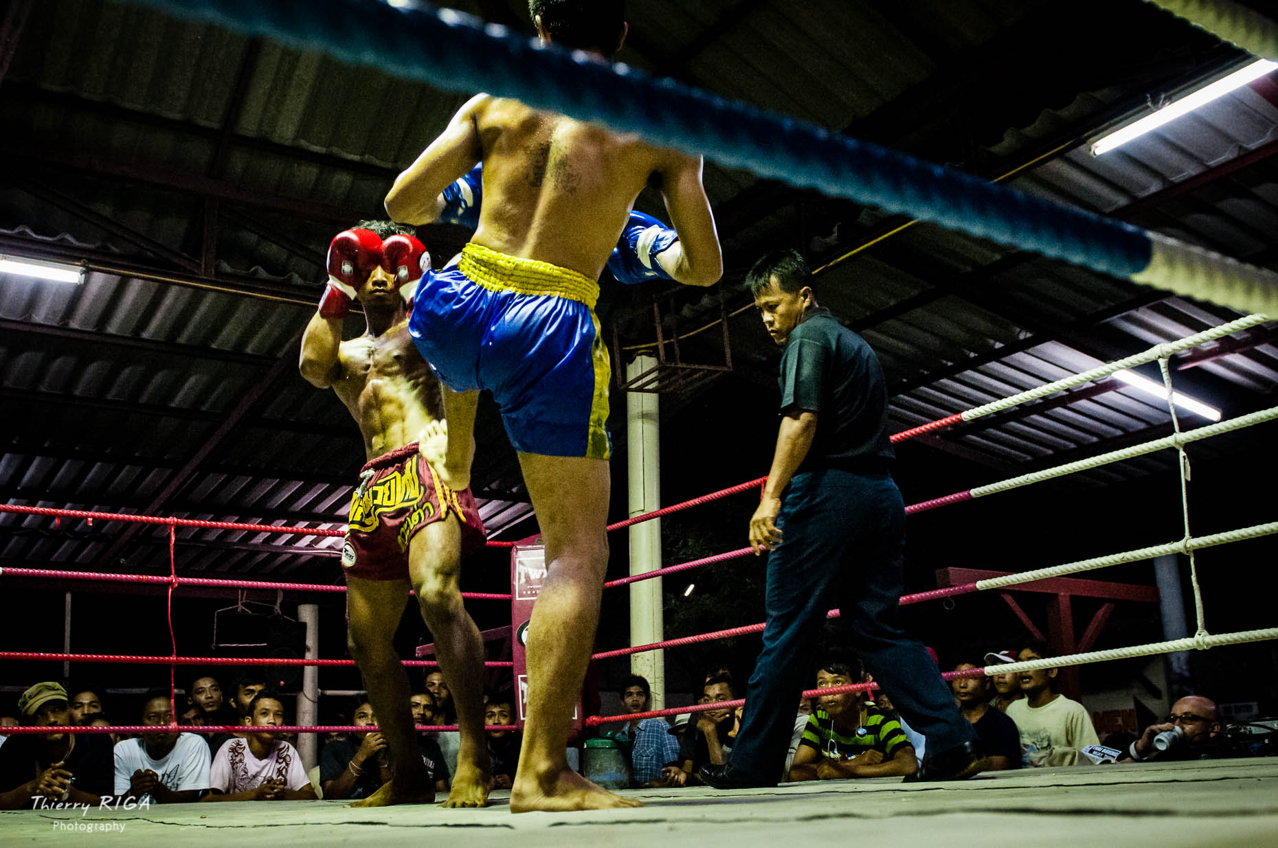 Muay_Thai_boxing_Thailand_fight_5584_Thierry_Riga-2.jpg